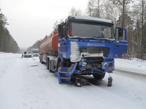 Шесть человек погибли на трассах Прибайкалья засутки