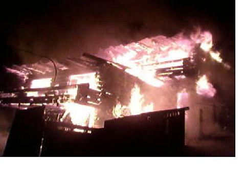 ВЛиствянке сгорел гостевой дом наулице Горной