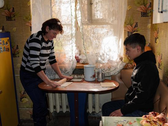 Соседка помогла ангарскому сироте вернуть жилье